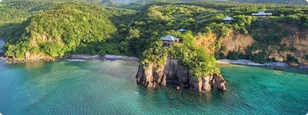 کمک بلاعوض به دومینیکا