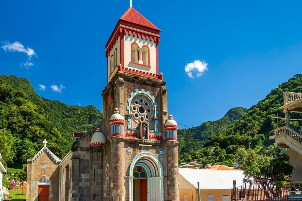 دومینیکا کمک مالی