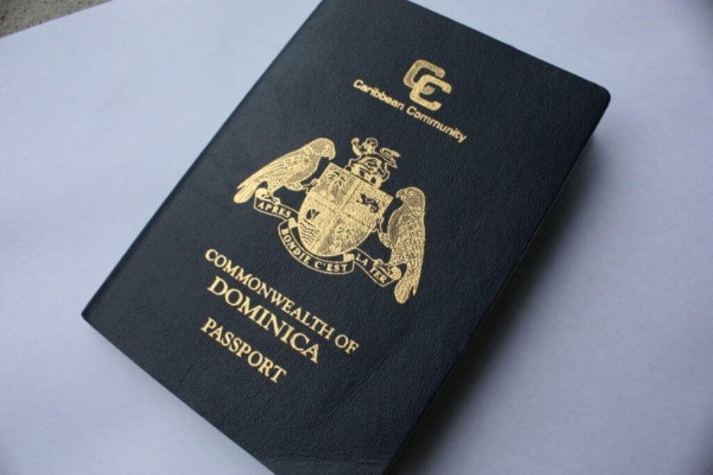 اخذ گذرنامه دومینیکا